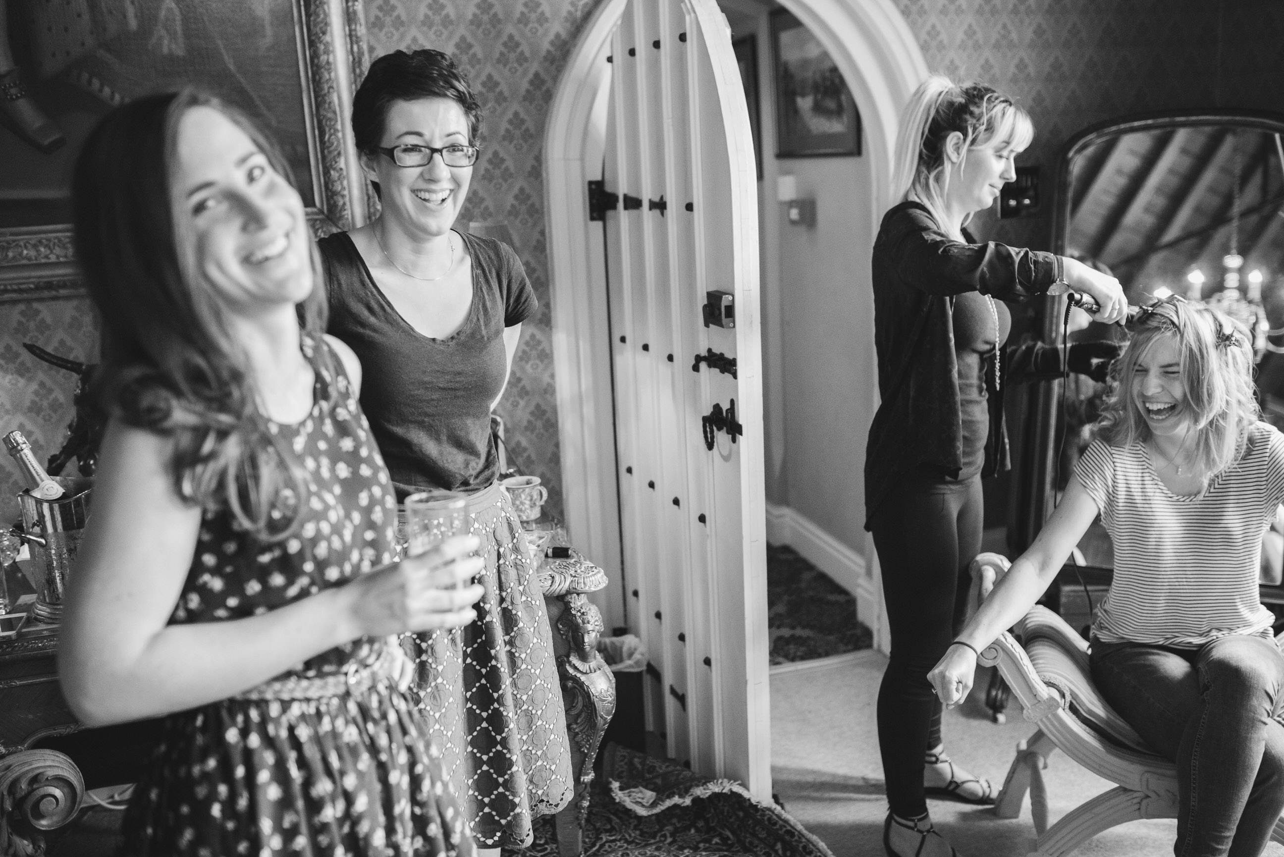 documentary wedding photography Maunsel House