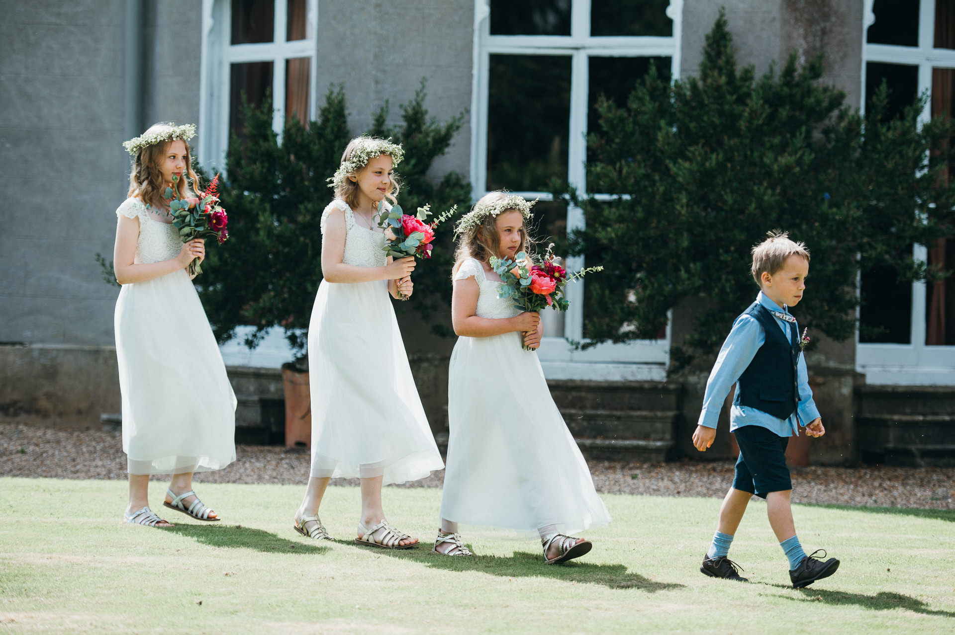 Arrival of flower girls and page boy Pennard house