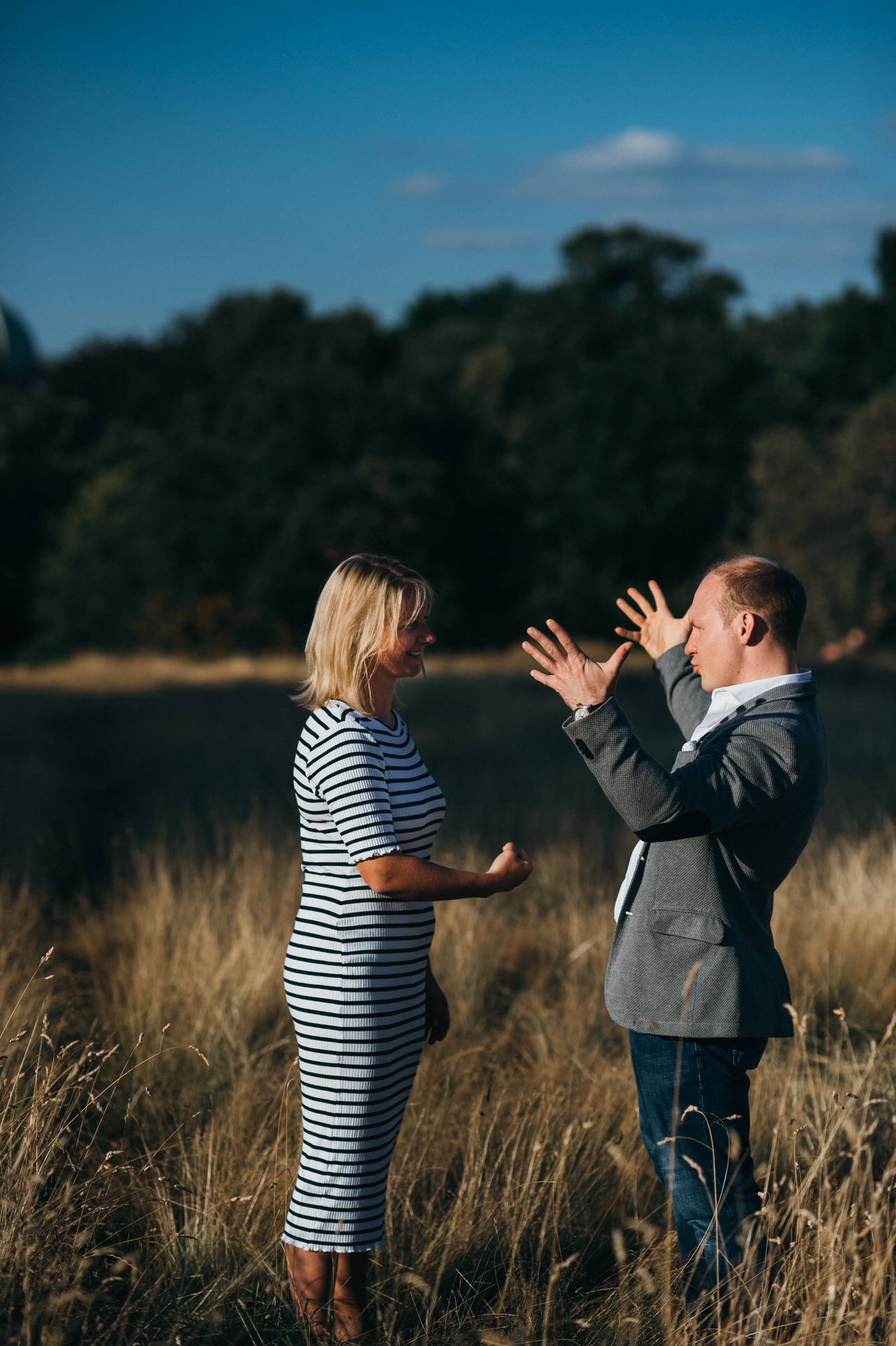 Unposed couple photographer