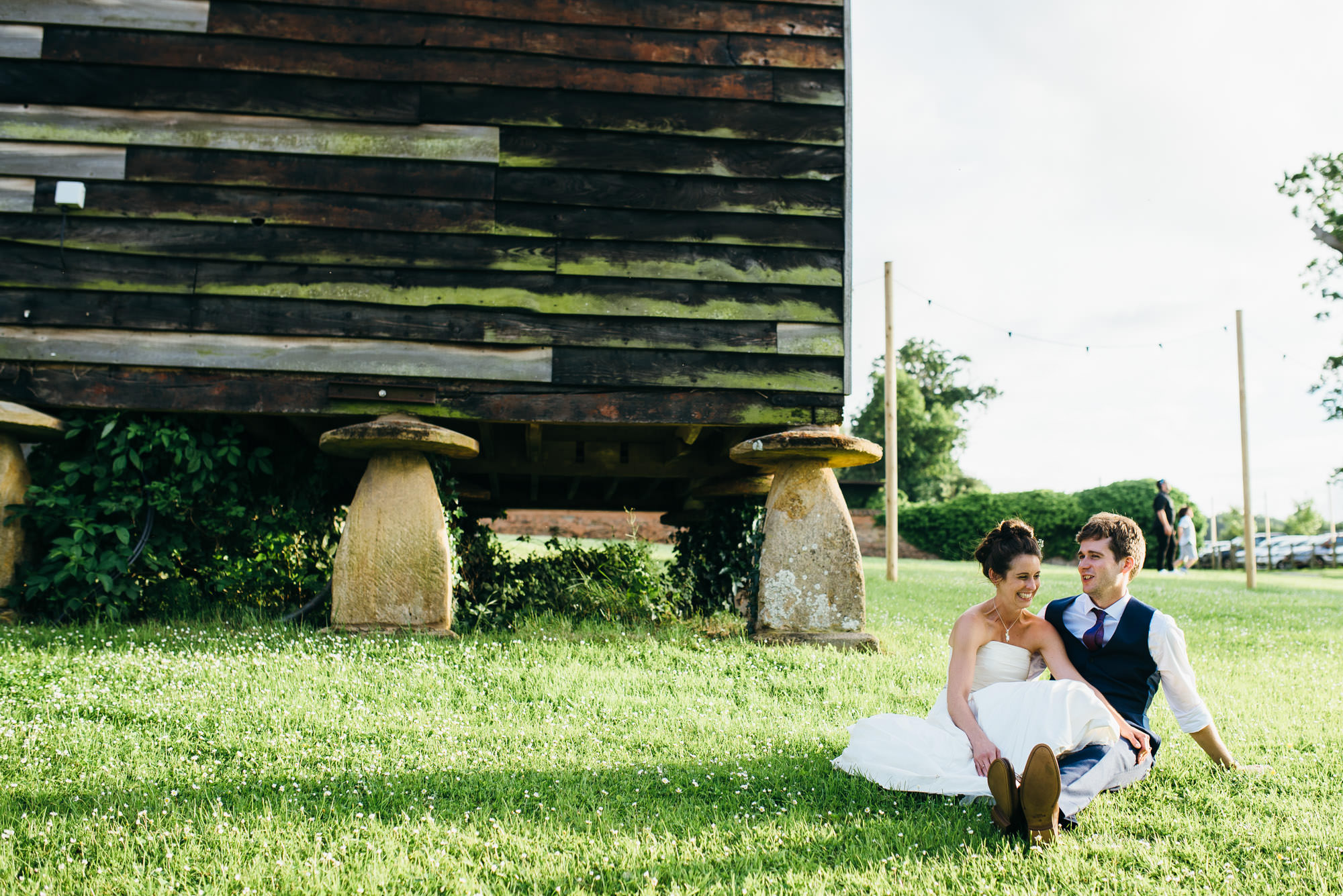 Huntstile organic farm wedding couple