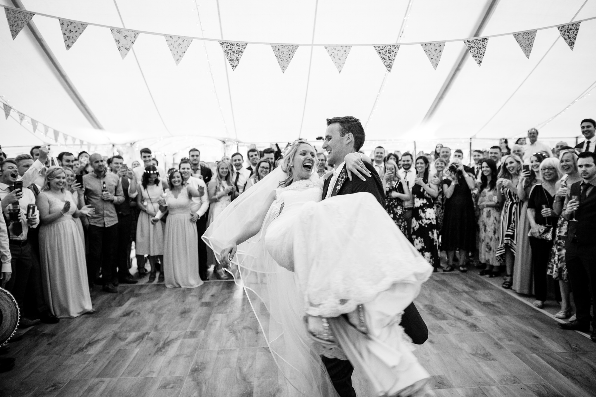 Tortworth lake wedding first dance 38