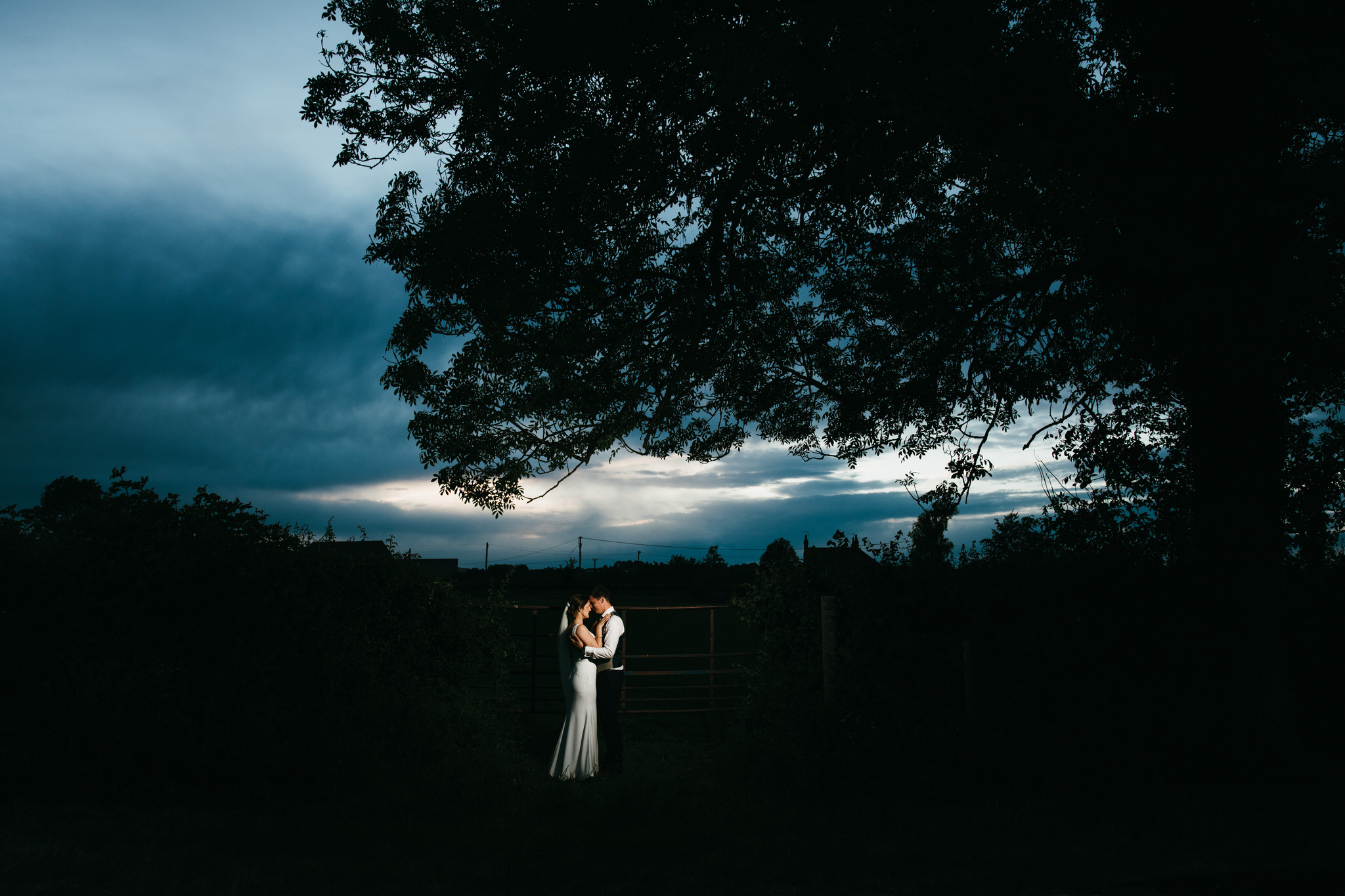 Outdoor somerset wedding photographer 34