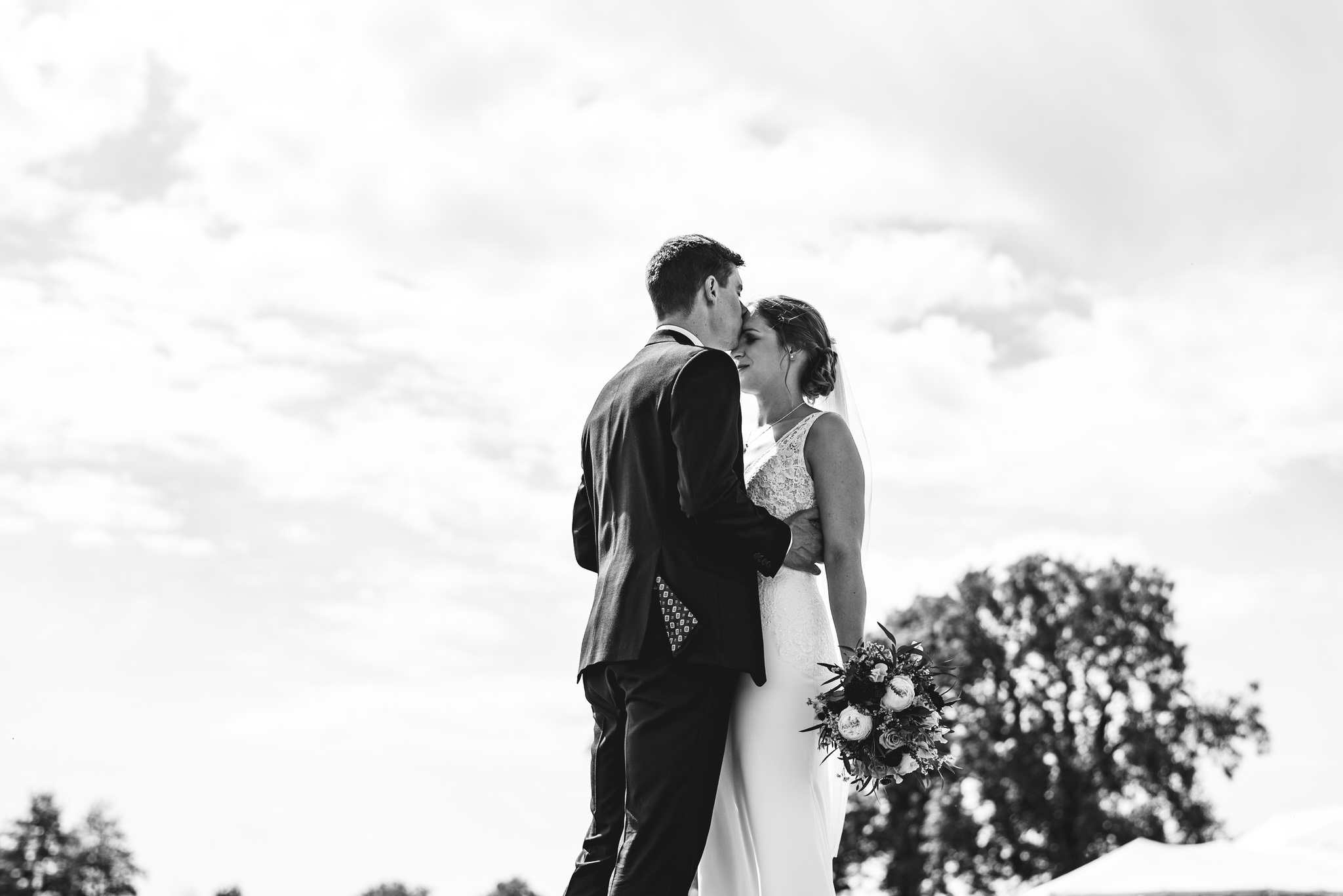 Outdoor somerset wedding photographer 9