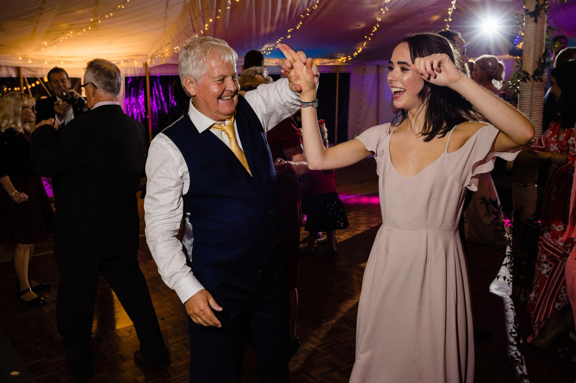 Bignor park dancing at wedding
