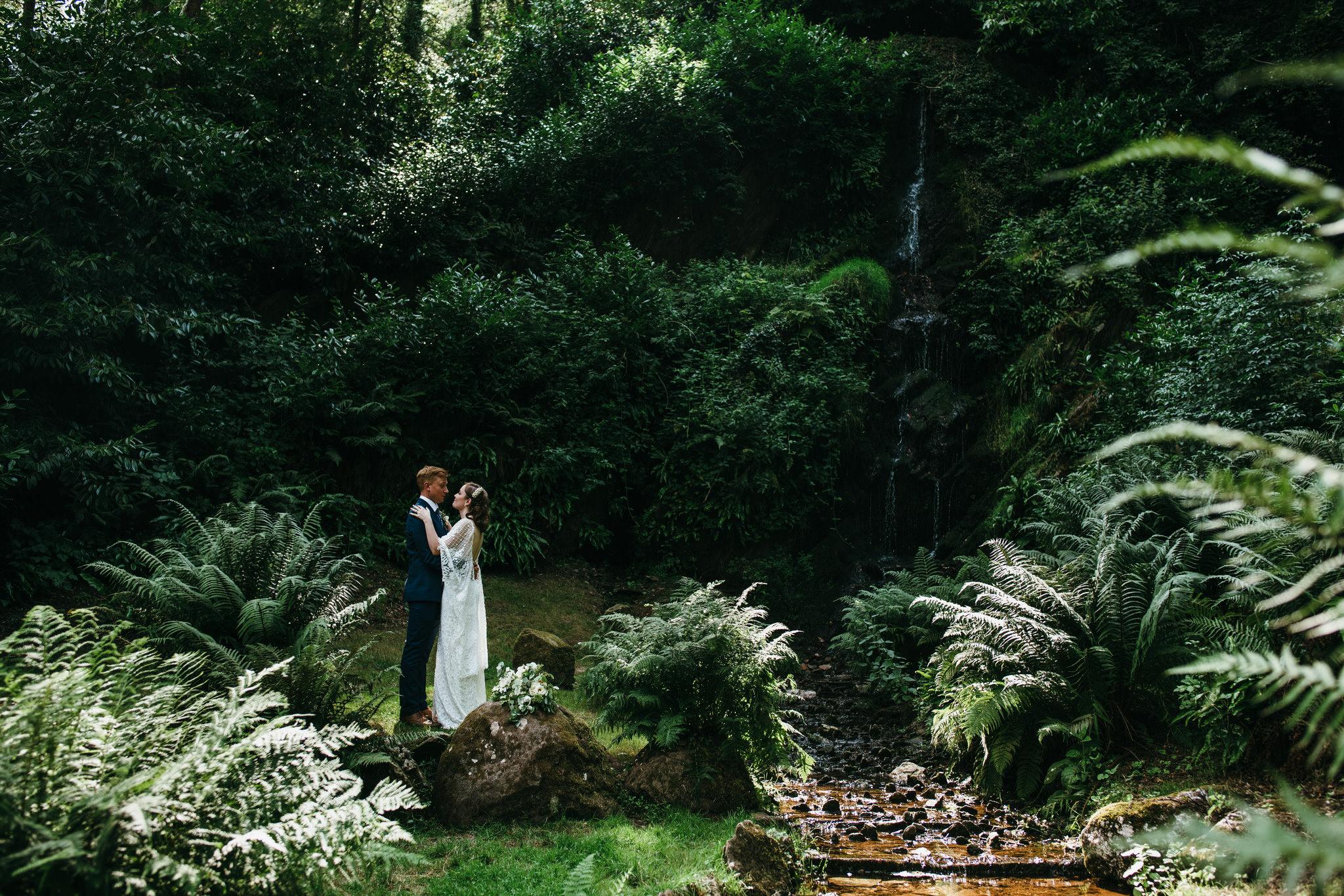 hestercombe somerset unposed wedding photographer