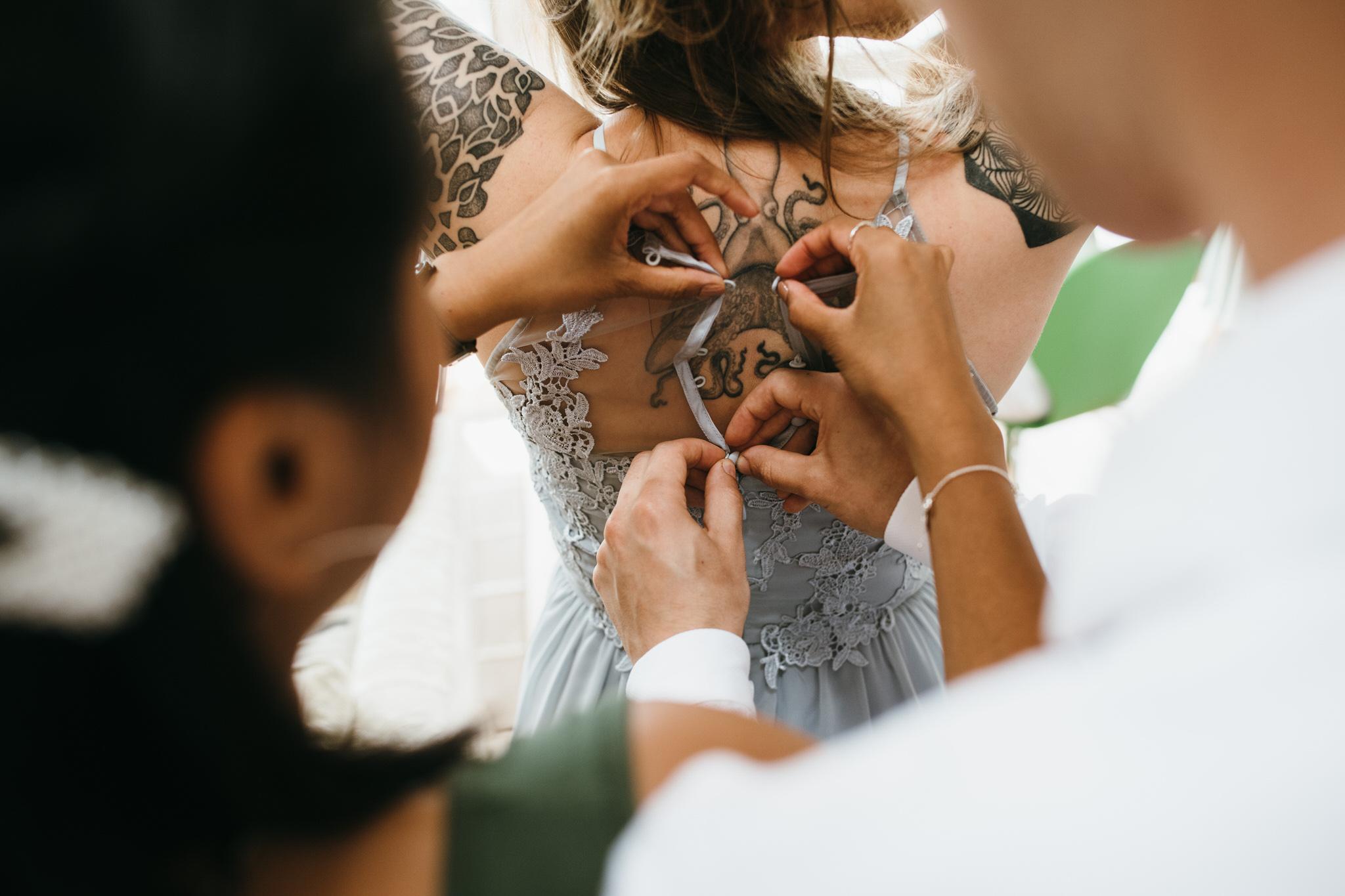 Bride makeup photographer