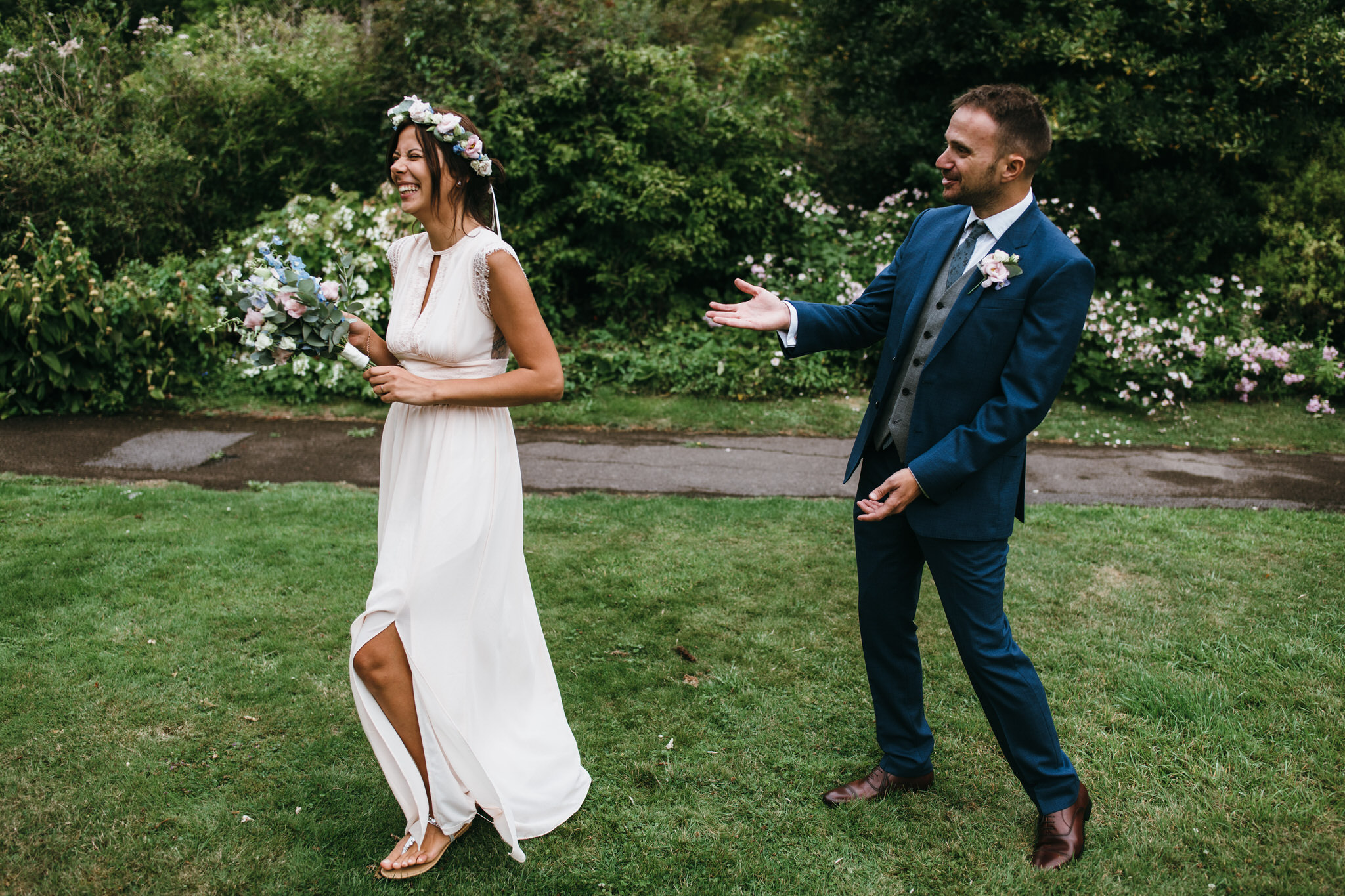 Bride and groom laughing, Botanical Gardens, Victoria Park