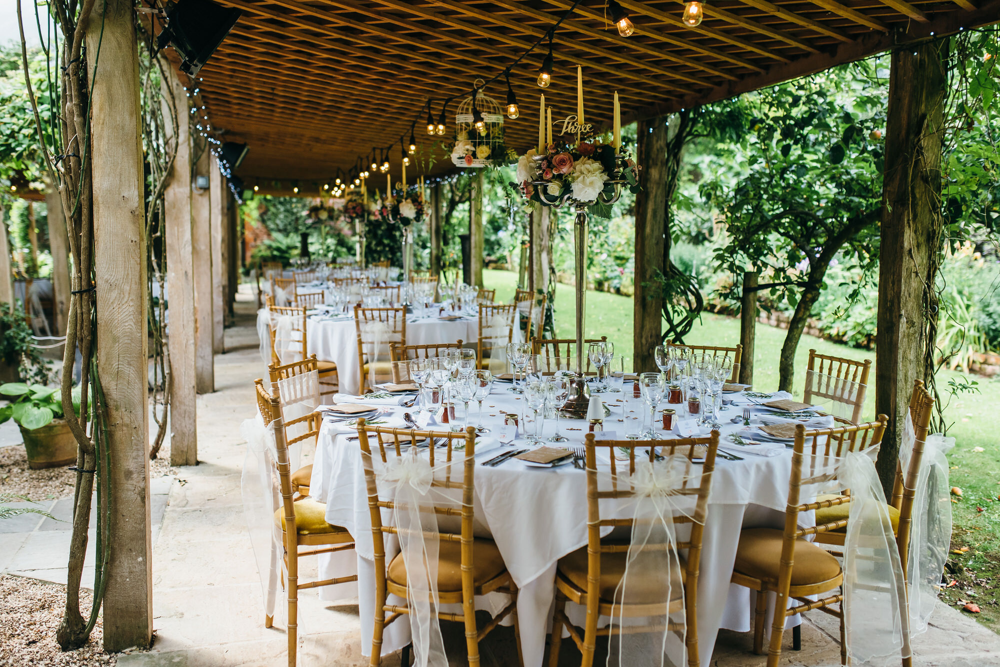 Outdoor wedding breakfast maunsel house somerset