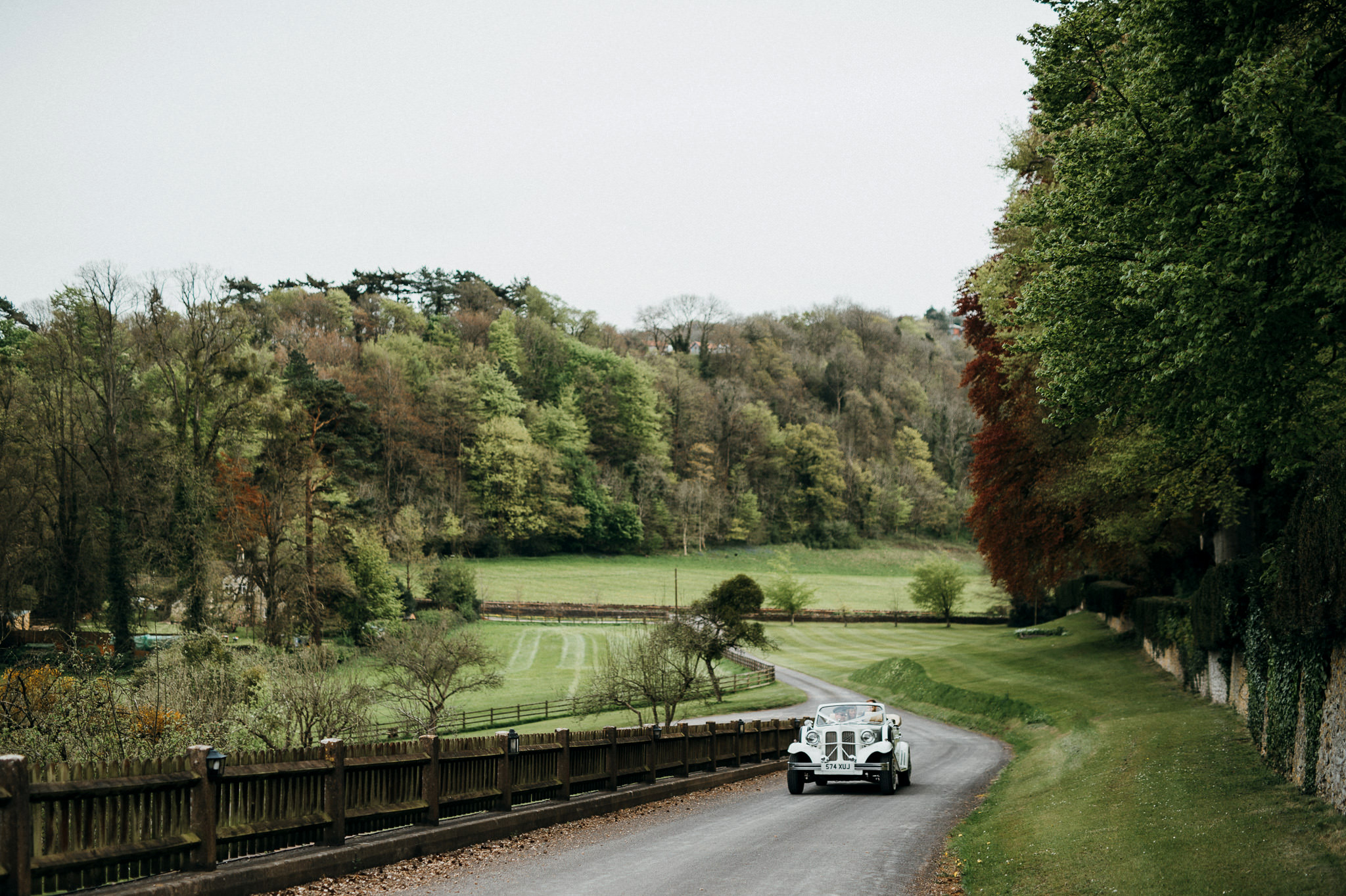 Newlyweds arrive at Coombe lodge wedding venue