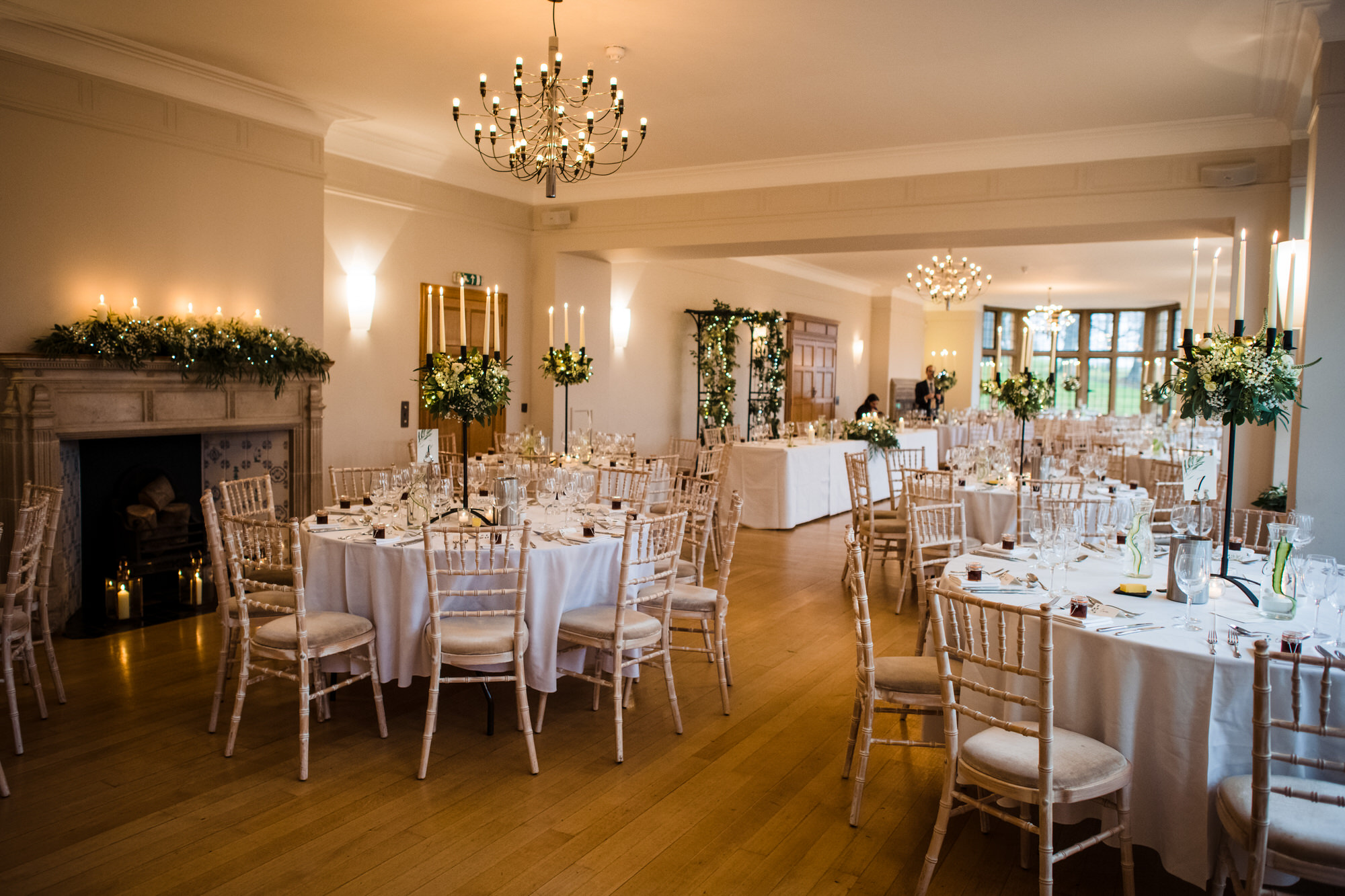 Coombe lodge wedding breakfast setup