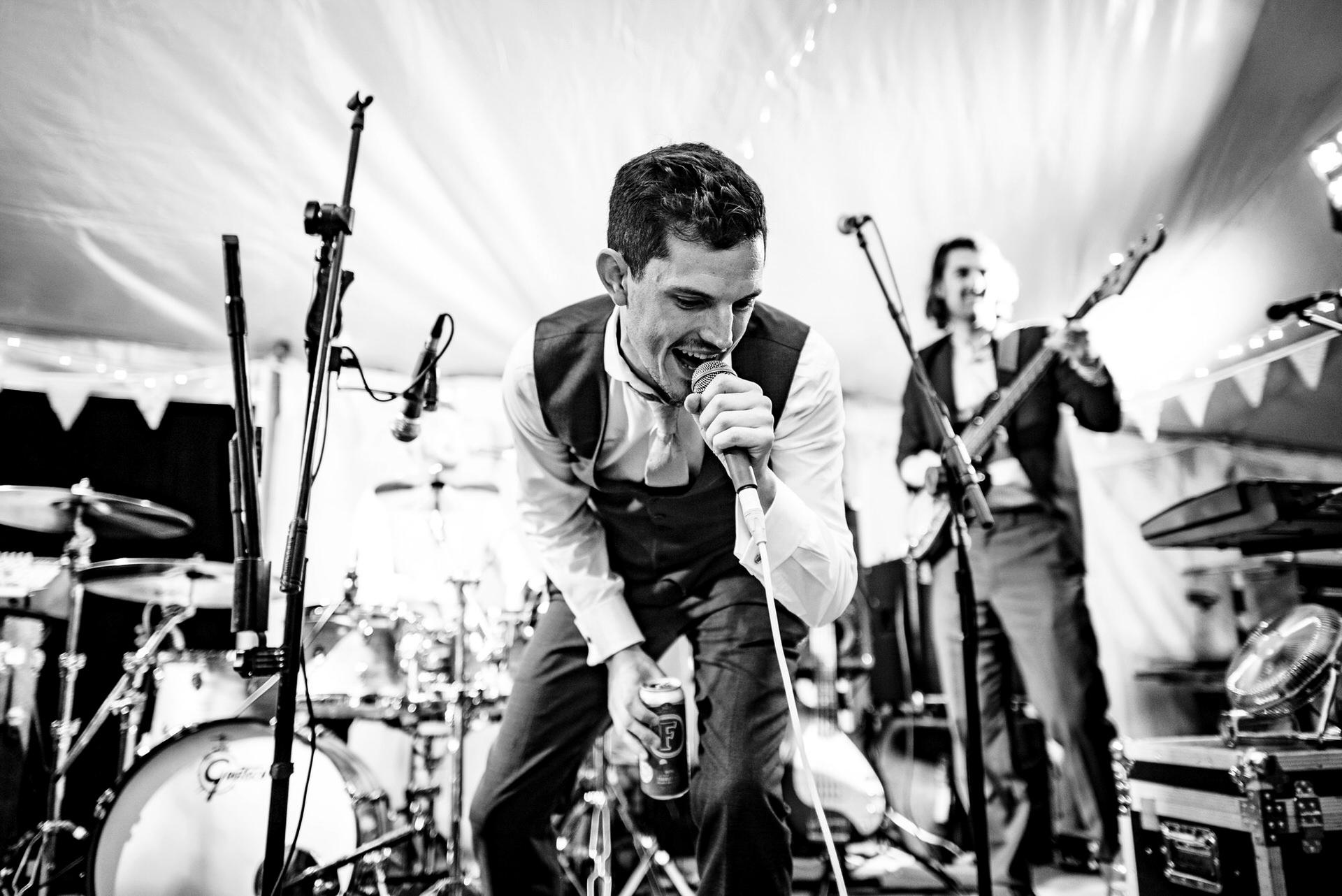 singer at wedding