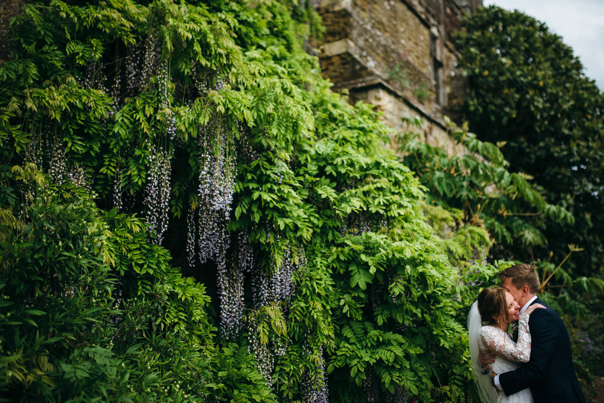 Berkeley castle wedding captured by simon biffen photography 18