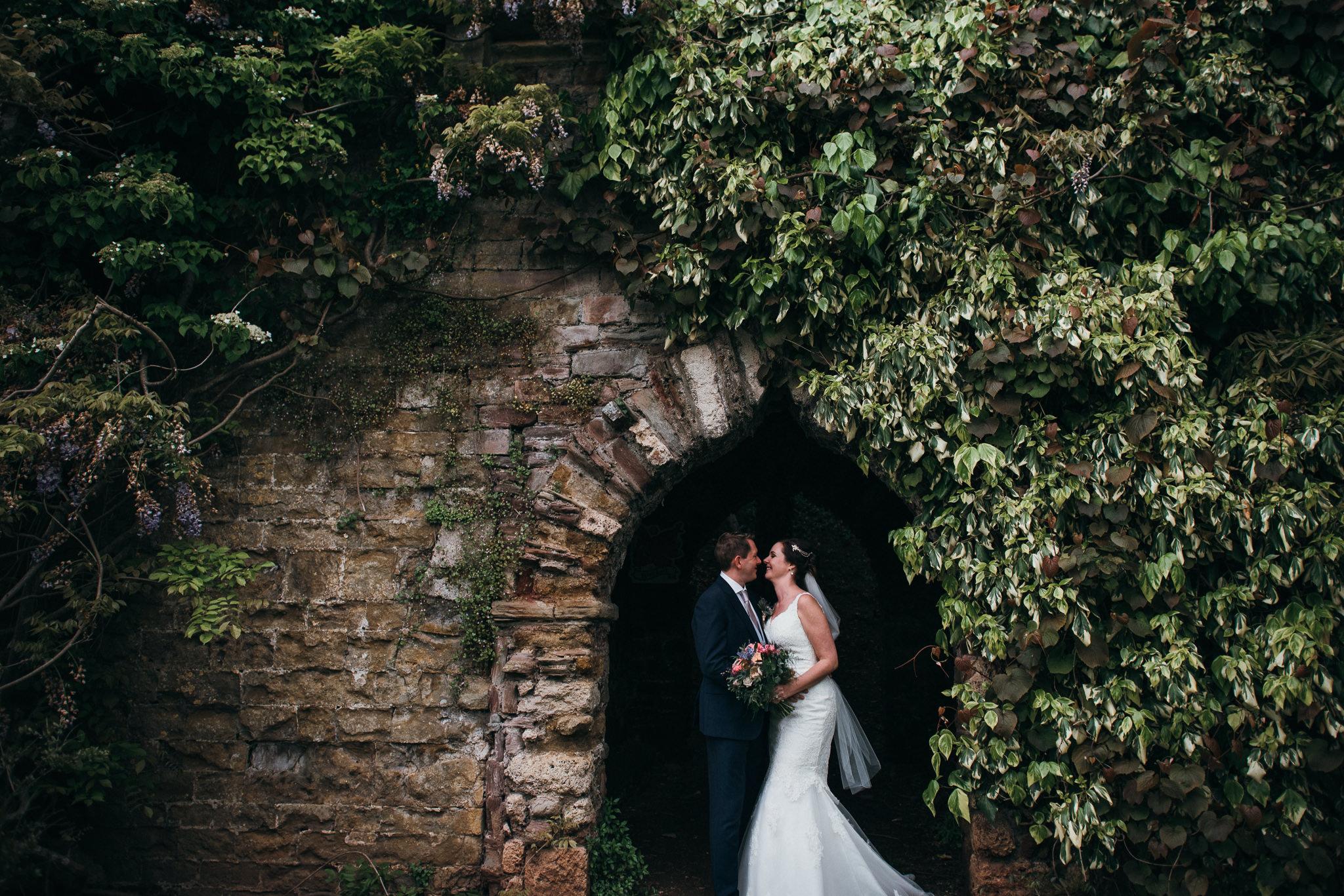 Berkeley castle wedding captured by simon biffen photography 4