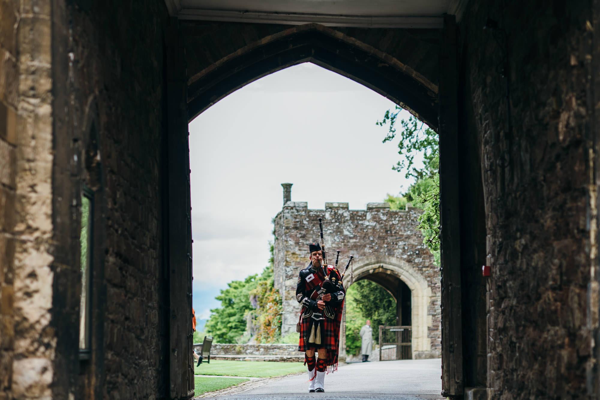 Berkeley castle wedding captured by simon biffen photography 6