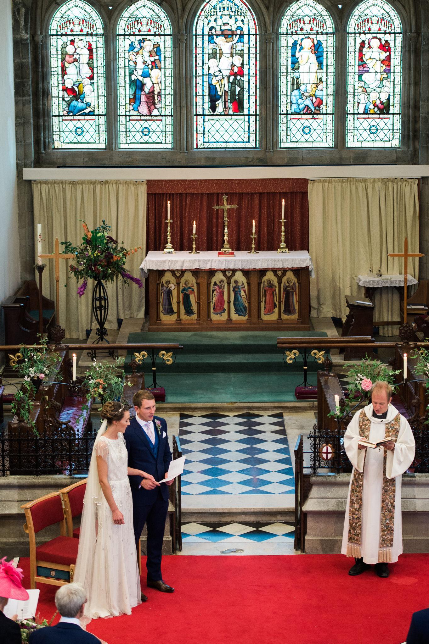 Salcombe devon marquee wedding by simon biffen photography 14