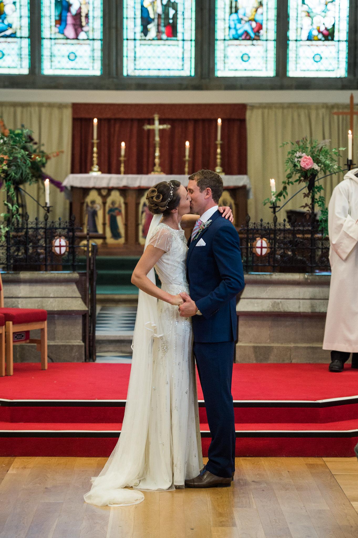 Salcombe devon marquee wedding by simon biffen photography 15