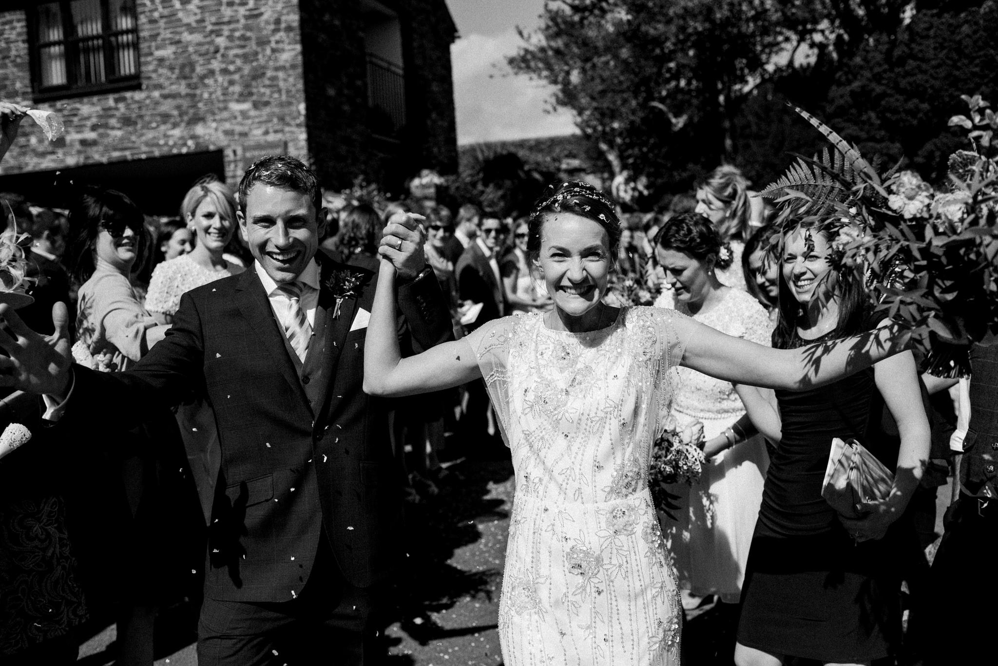 Salcombe devon marquee wedding by simon biffen photography 16