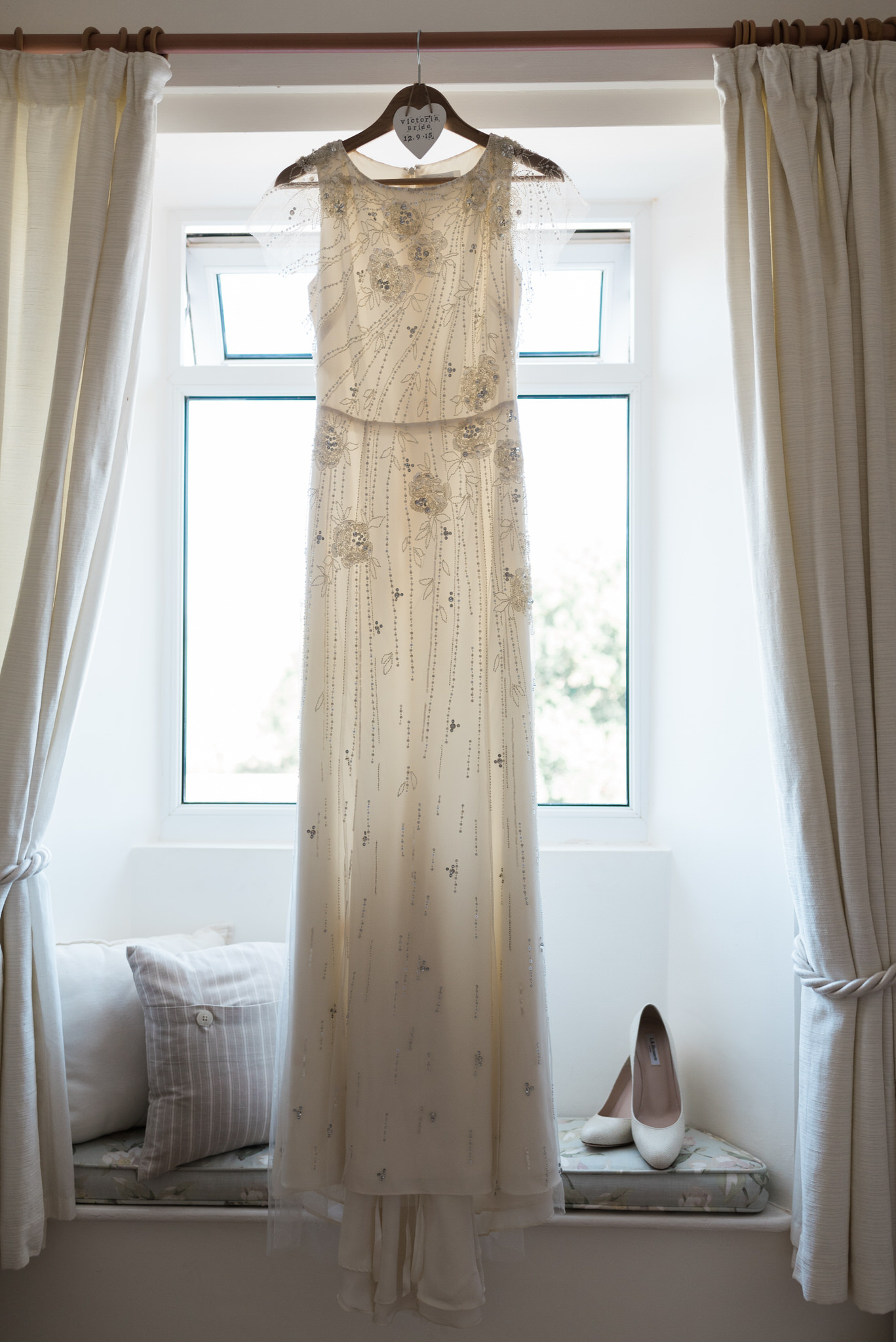 Salcombe devon marquee wedding by simon biffen photography 6