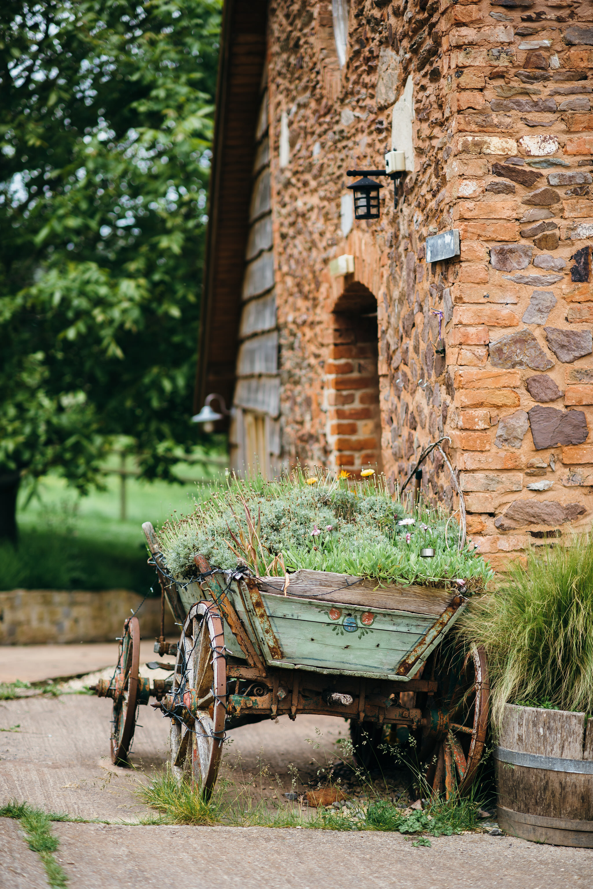 Huntstile organic farm wheelbarrow