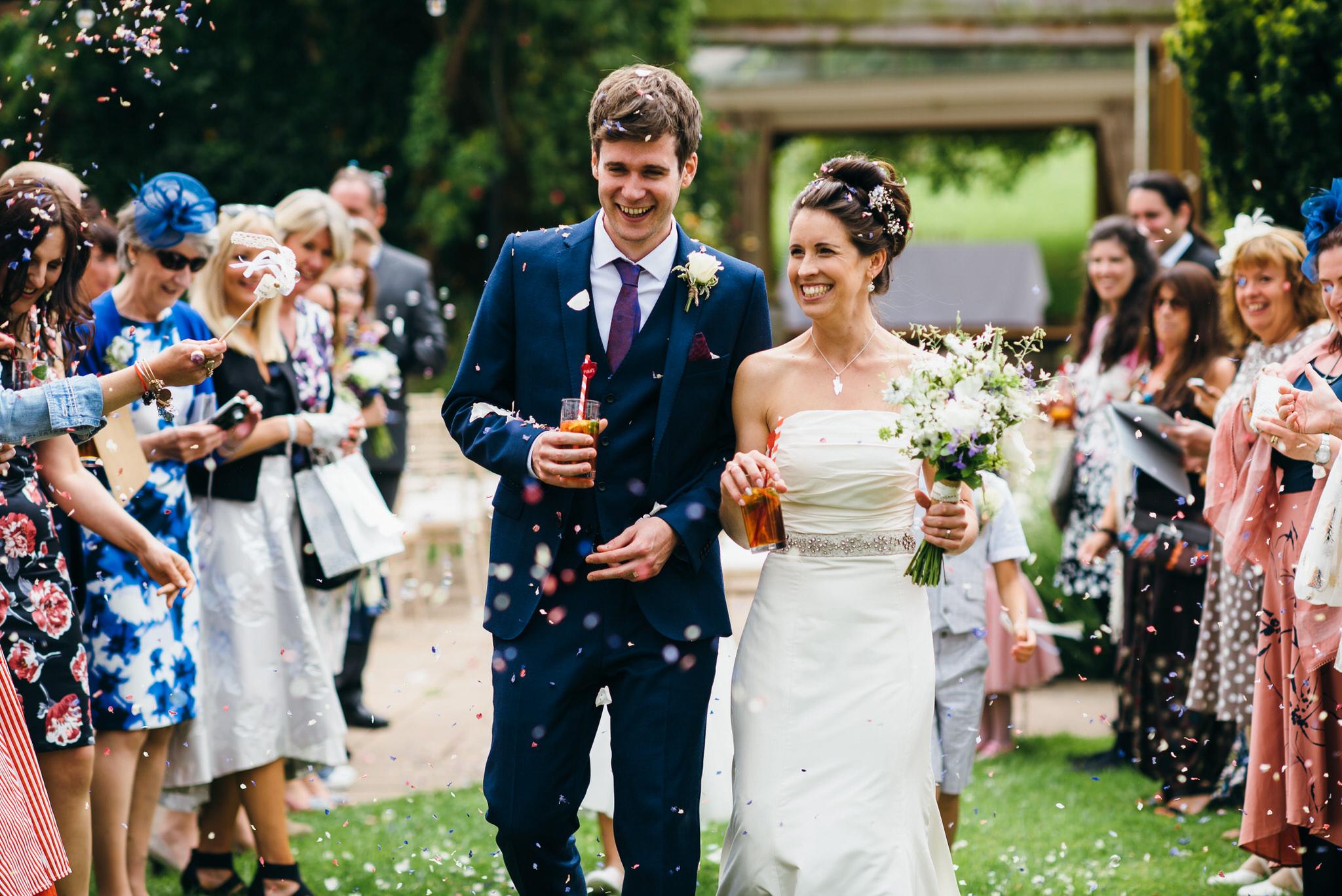 Huntstile organic farm wedding confetti