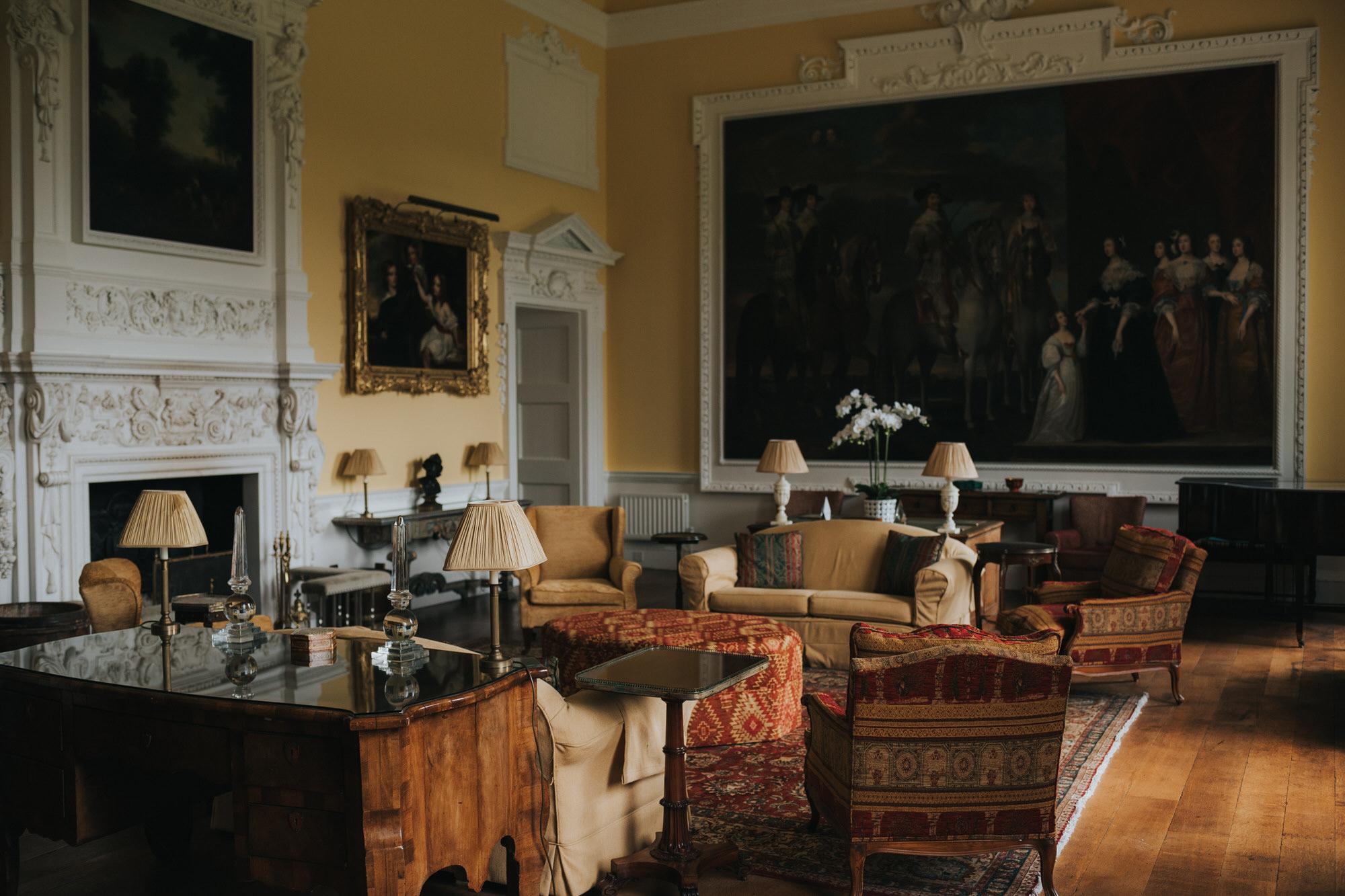 Rooms inside Kirtlington park