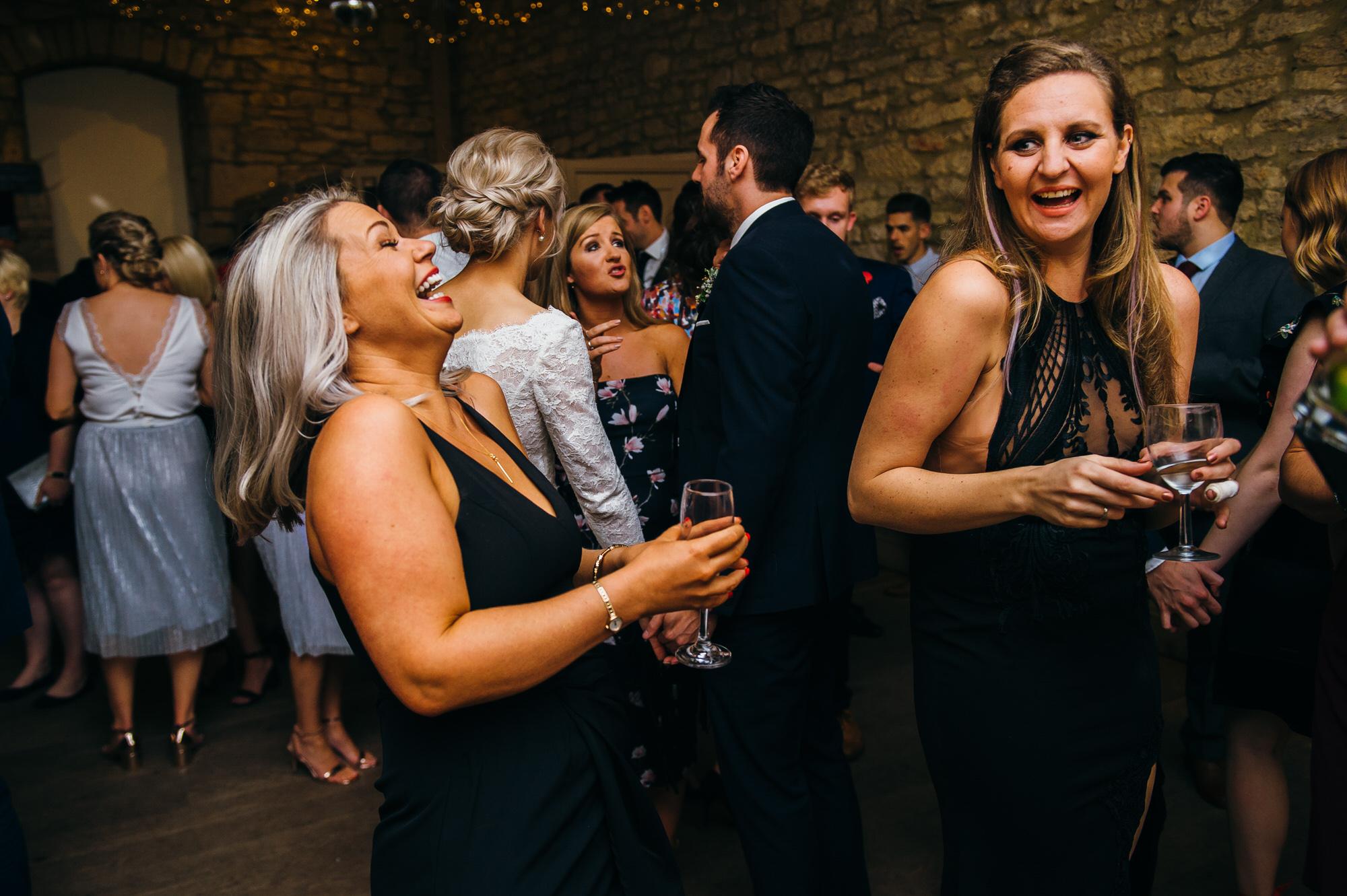 Brympton wedding dance by simon biffen photography 46