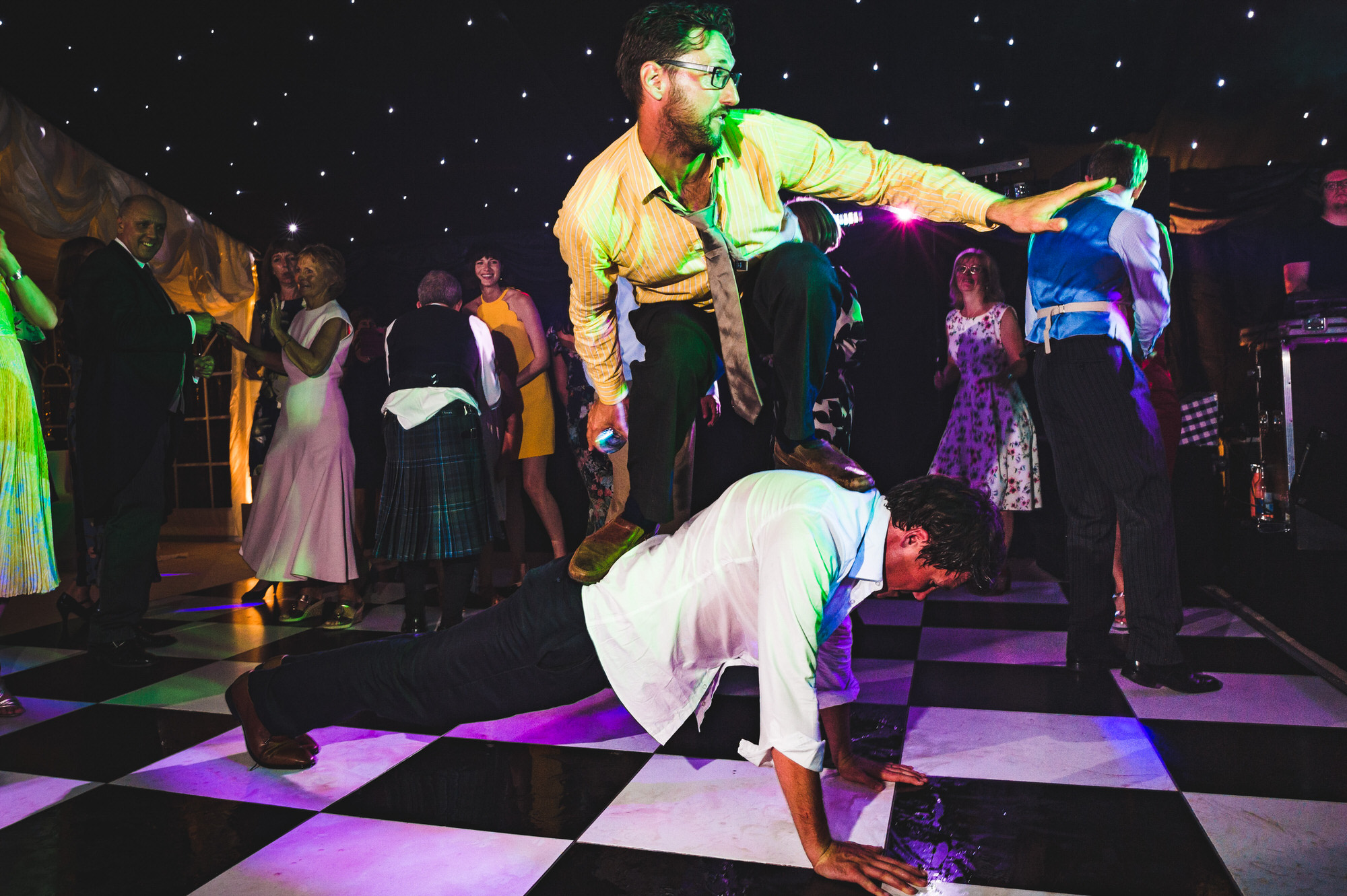 Dorset marquee wedding by the sea simon biffen photography 53