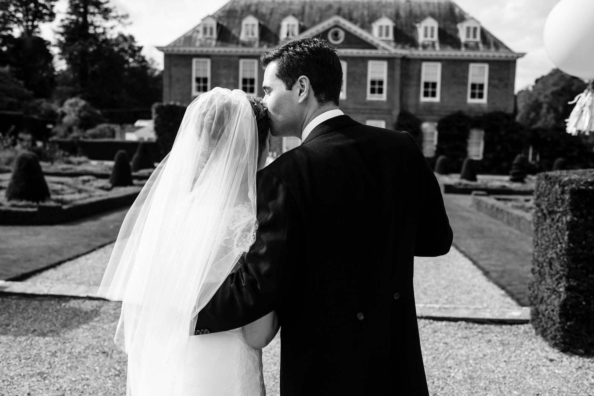 Squerryes court wedding photographer