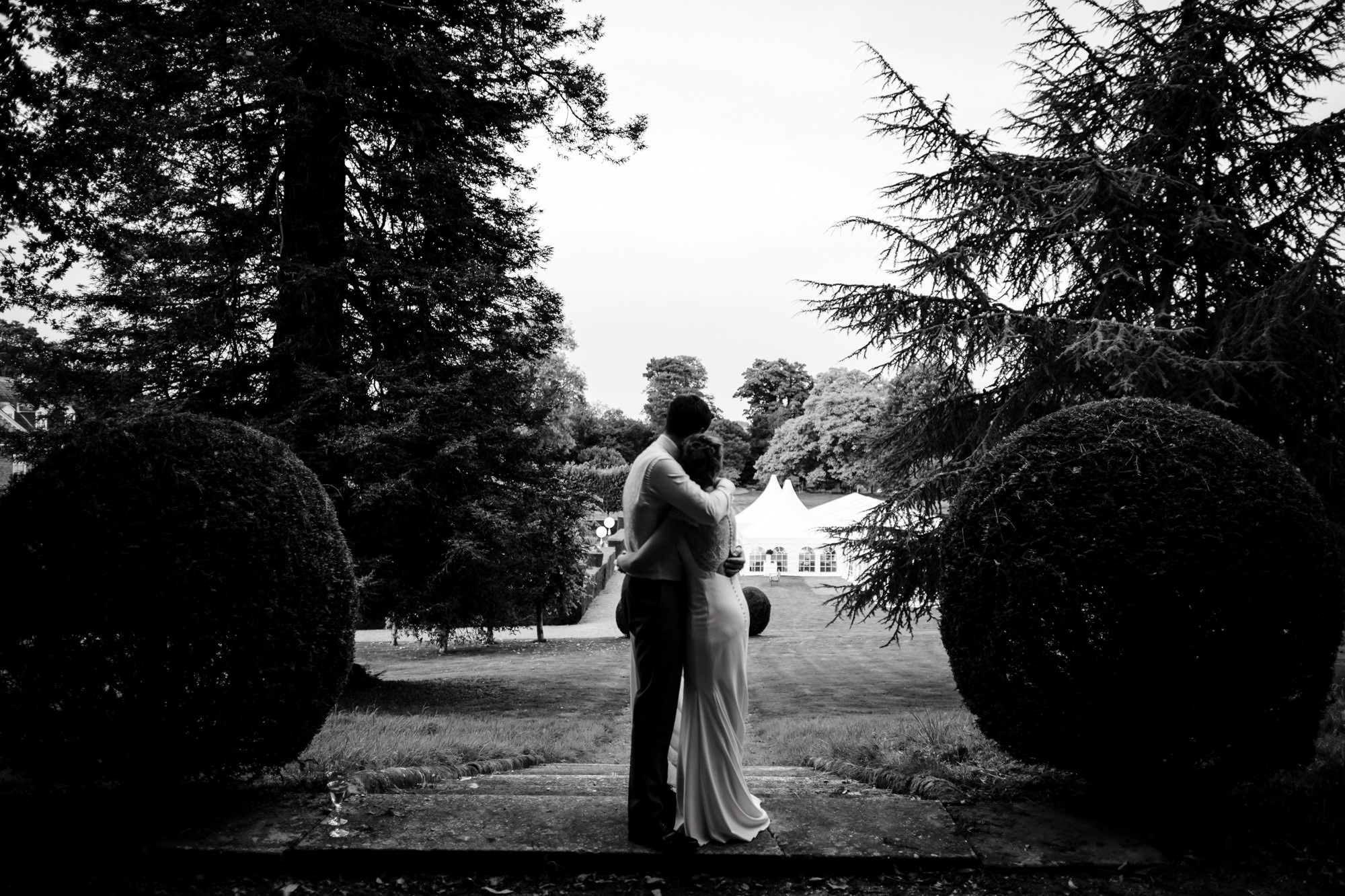 Squerryes court wedding couple